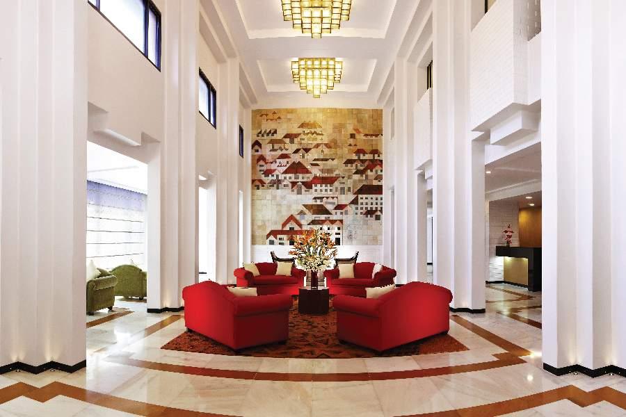 lobby72.jpg