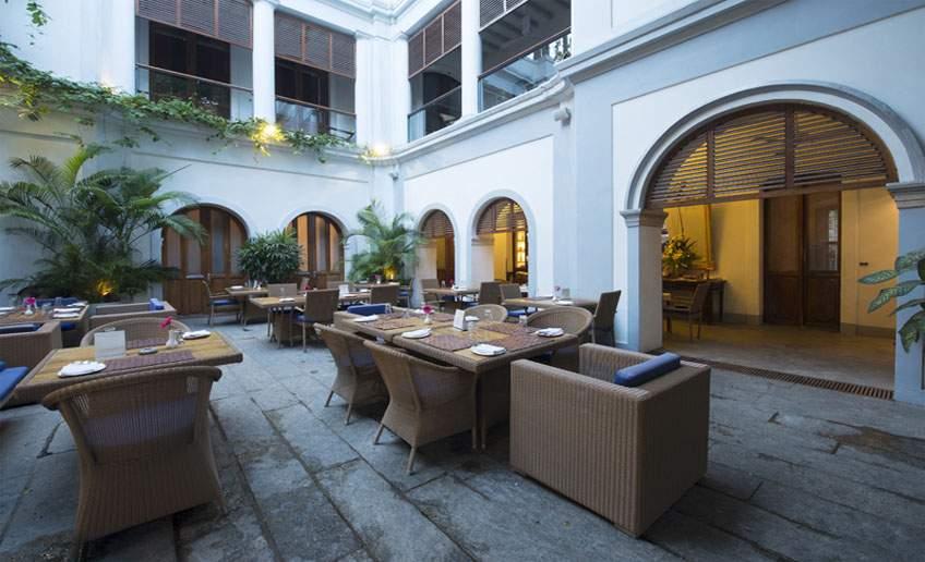 restaurant84.jpg