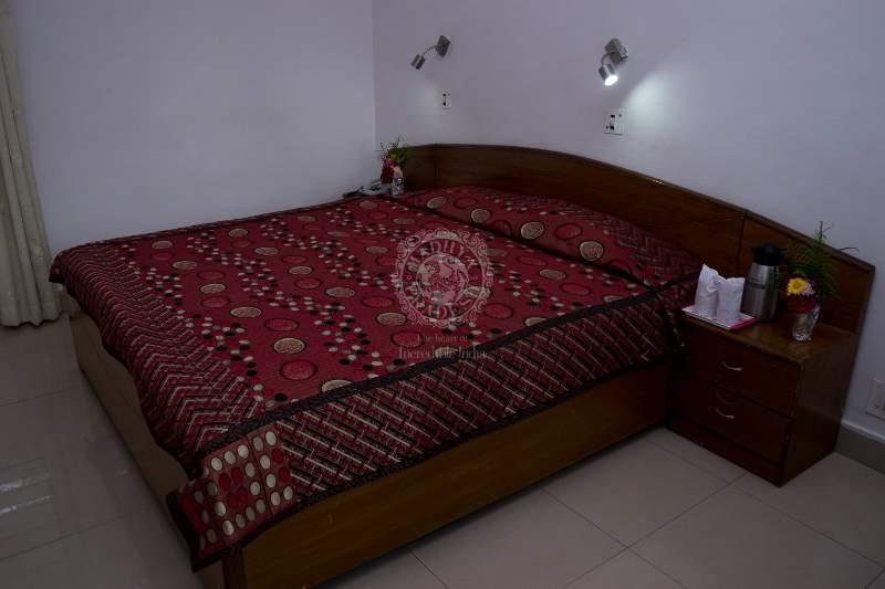 room%201.jpg