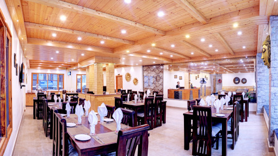 summit%20r%20manali%20restaurant_.jpg