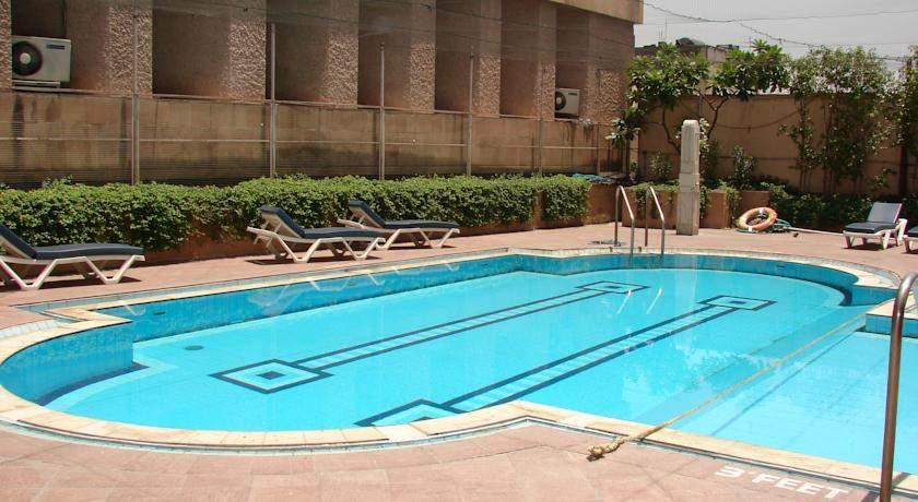 swimming%20pool.jpg